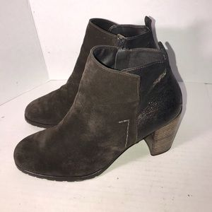Nice Suede Paul Green Ankle Boots sz.10.5